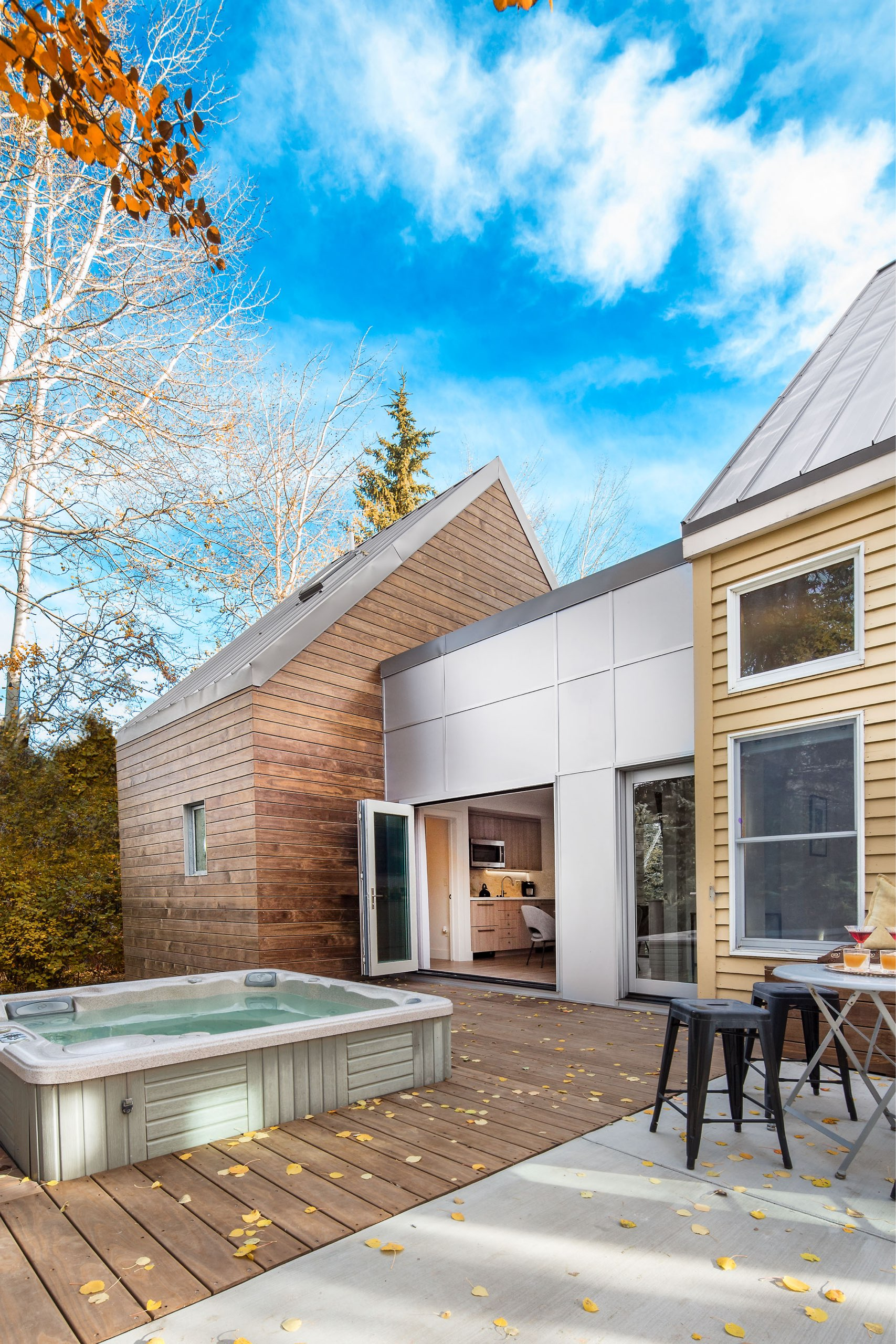 Patio and hot tub at the Granny Pod in Park City, Utah, architectural design by Elliott Workgroup