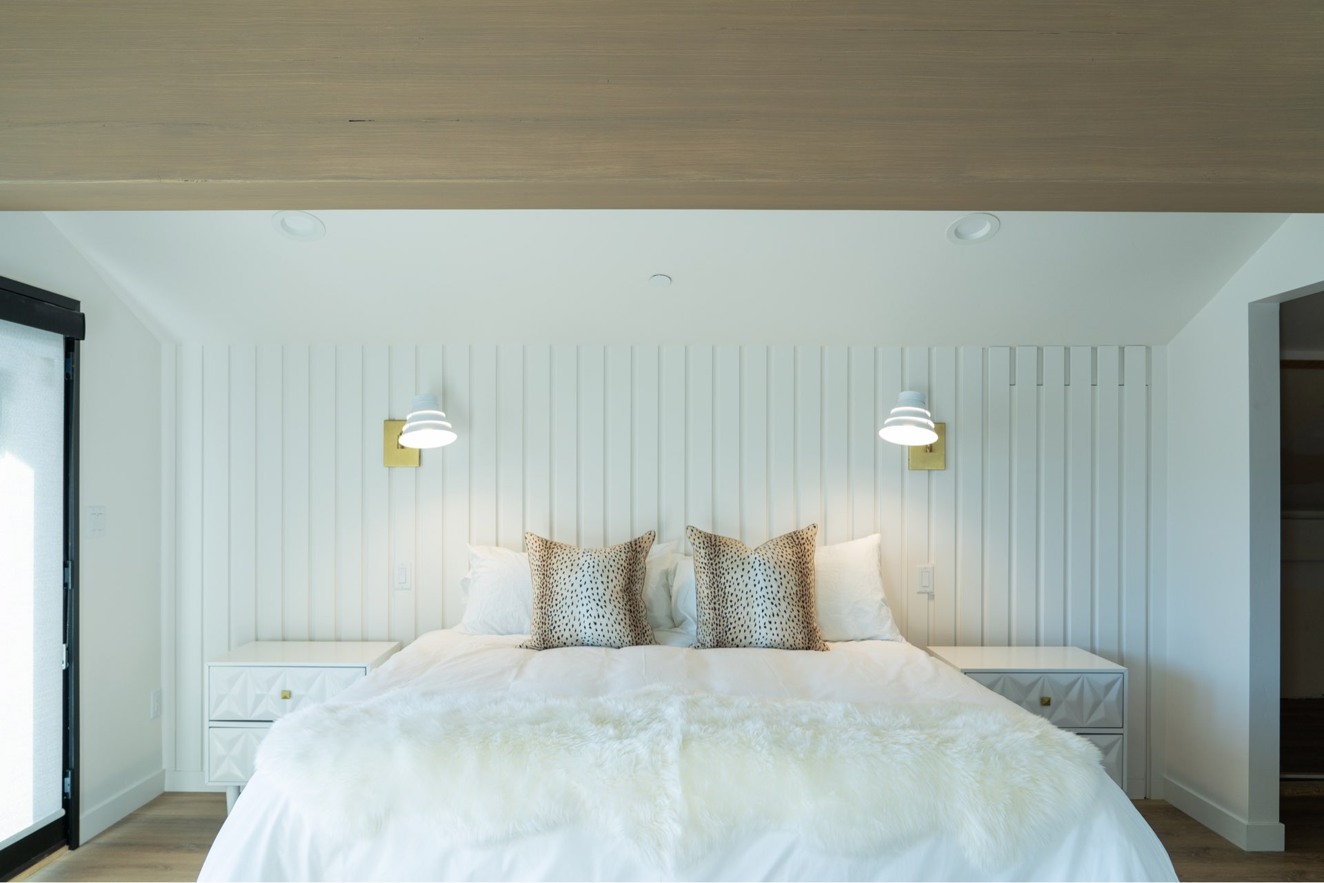 Bedroom, Larkspur Residence, architectural design by Elliott Workgroup