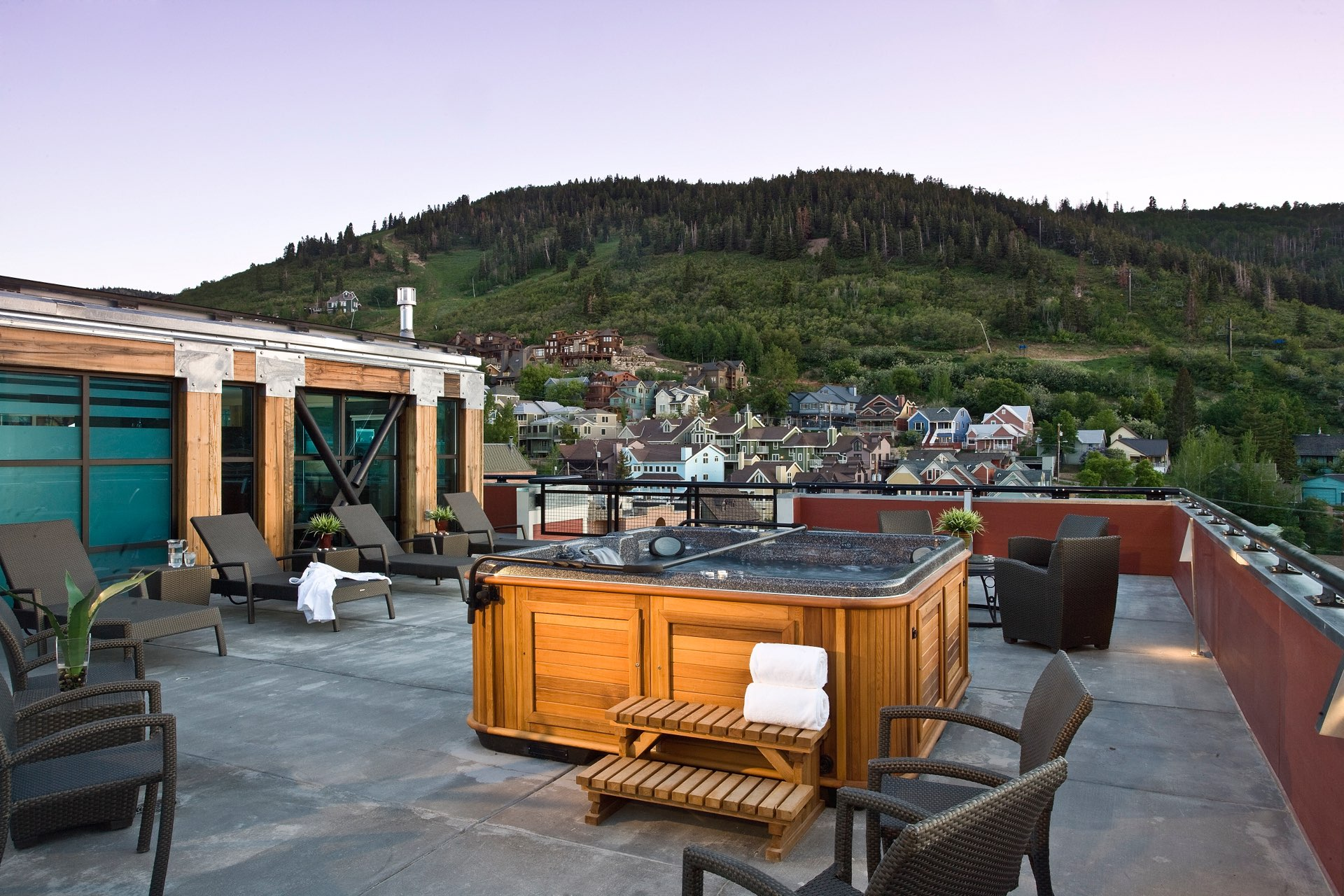 Rooftop hot tub, Sky Lodge on Main, architectural design by Elliott Workgroup